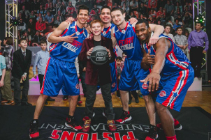 Jacob Dwoskin with Basketball Team
