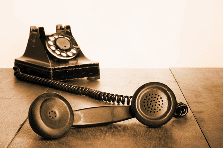 seven-minute-sales-minute-podcast-humble old time telephone photo